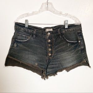 Free People Button Up Denim cut-off Shorts. Sz 28